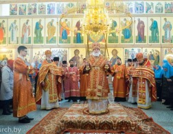 Во вторник Светлой седмицы Патриарший Экзарх совершил Литургию в Покровском храме города Минска