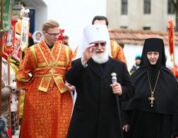 В среду Светлой седмицы Патриарший Экзарх возглавил Пасхальную вечерню в Гродненском Рождество-Богородичном монастыре