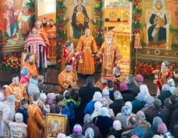 В четверг Светлой седмицы Патриарший Экзарх совершил Литургию в Елисаветинском монастыре города Минска