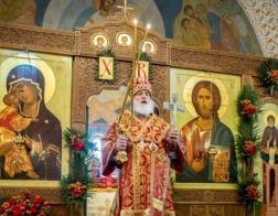 В день Радоницы Патриарший Экзарх совершил Литургию в Лазаревском храме на Северном кладбище города Минска