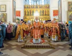 В день памяти мучеников Антония, Иоанна и Евстафия Виленских митрополит Павел совершил Литургию в Петро-Павловском соборе города Минска