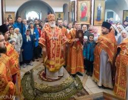 В субботу 2-й седмицы по Пасхе Патриарший Экзарх совершил Литургию в Благовещенском храме Троицкого прихода поселка Боровляны