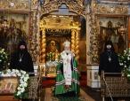 Святейший Патриарх Кирилл совершил молебен у раки с мощами святителя Тихона в Донском монастыре