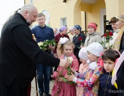 В Неделю жен-мироносиц в Спасо-Преображенском храме Гомеля состоялся праздничный концерт