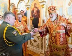 В день памяти великомученика Георгия Победоносца митрополит Павел совершил Литургию в храме апостола Иоанна Богослова в Суворовском училище