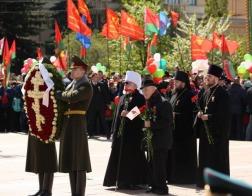 Митрополит Павел возложил венок к монументу Победы в городе Минске