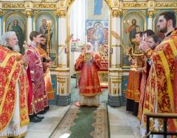 В Неделю о самаряныне Патриарший Экзарх совершил Литургию в Свято-Духовом кафедральном соборе города Минска