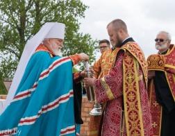 Митрополит Павел совершил закладку памятной капсулы в основание строящегося храма в честь Воздвижения Креста Господня в городе Минске