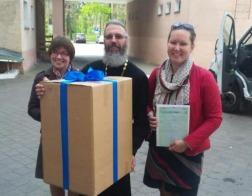 Православные добровольцы передали Бобруйскому хоспису концентратор кислорода