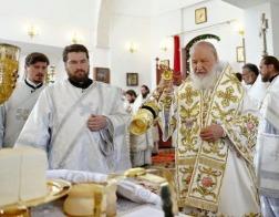 Патриарх Кирилл совершил молитву о погибших и пострадавших при урагане в Москве