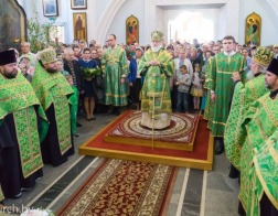 В канун праздника Пятидесятницы митрополит Павел совершил всенощное бдение в Свято-Духовом кафедральном соборе города Минска