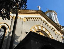 В день праздника Троицы Патриарх Болгарский Неофит совершил Литургию в румынском храме в Софии