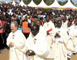 Кенийские католические епископы должны уплатить 125 тыс. долларов мусульманскому ресторану по суду
