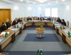 Митрополит Павел возглавил очередное заседание Епархиального совета Минской епархии