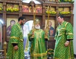 В день отдания праздника Пятидесятницы митрополит Павел совершил Литургию в Свято-Троицком храме города Минска