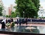 Святейший Патриарх Кирилл возложил цветы к Мемориалу славы в Реутове