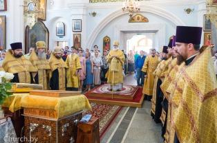 В канун дня памяти Всех святых в земле Русской просиявших митрополит Павел совершил всенощное бдение в Свято-Духовом кафедральном соборе города Минска