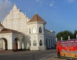 Сиро-Яковитская церковь в Абу-Даби провела у себя намаз для гастарбайтеров из Азии