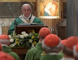 Папа Франциск отметил 25-летие своей епископской хиротонии Мессой в капелле Паулина