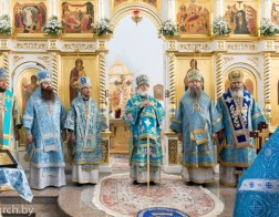 Патриарший Экзарх возглавил торжества по случаю праздника Сукневичской иконы Божией Матери