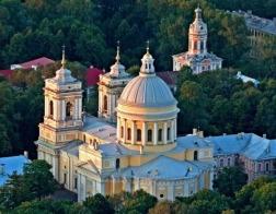 Мощи Николая Чудотворца доставлены в Александро-Невскую лавру Петербурга