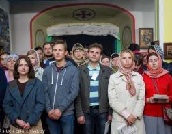 Участники слета молодежи Белорусской Православной Церкви помолились за ночной Литургией
