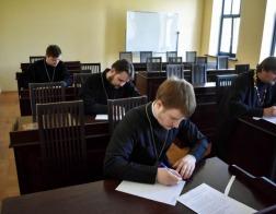 Проходят вступительные экзамены в магистратуру и аспирантуру Минской духовной академии
