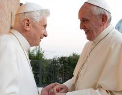 Секретарь Бенедикта XVI отверг мнение о том, что бывший понтифик критиковал Папу Франциска