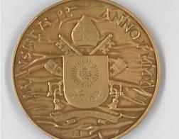 В Ватикане выпущена медаль по случаю пятой годовщины понтификата Папы Франциска