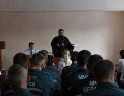 Священнослужитель поздравил сотрудников МЧС г. Калинковичи с Днем пожарной службы
