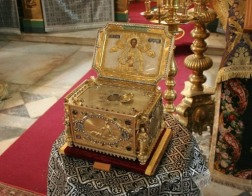 Глава св. вмч. Пантелеимона из афонского Пантелеимова монастыря принесена в Болгарию