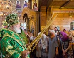 В день памяти преподобного Серафима Саровского митрополит Павел совершил Литургию в храме в честь Оптинских старцев