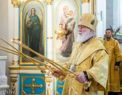 В канун Недели 9-й по Пятидесятнице Патриарший Экзарх совершил всенощное бдение в Свято-Духовом кафедральном соборе города Минска