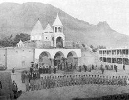 Турки разбирают древнюю армянскую церковь на кирпичи для строительства мечети