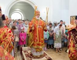 В день памяти великомученика Пантелеимона митрополит Павел совершил Литургию в Пантелеимоновом храме городского поселка Мачулищи