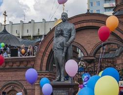 Сталинисты требуют снести памятник Николаю II в Новосибирске