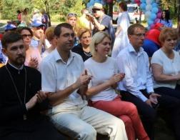 В Бобруйске прошел юбилейный фестиваль «Капельки добра в море здоровья» для людей с ограниченными возможностями