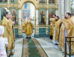 В Неделю 10-ю по Пятидесятнице Патриарший Экзарх совершил Литургию в Свято-Духовом кафедральном соборе города Минска