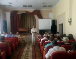 Благочинный Новогрудского округа выступил на собрании руководителей учреждений образования