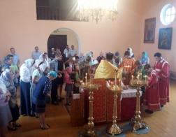 Во время Успенского поста в Ивьевском благочинии молятся об учащихся