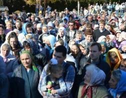 Более 200 км пройдут участники крестных ходов, направляющихся в Почаев