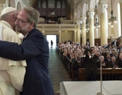 Папа Франциск направил послание Синоду Методистской и Вальденских церквей