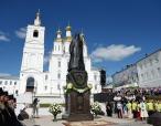 Предстоятель Русской Церкви освятил памятник Патриарху Сергию (Страгородскому) в Арзамасе