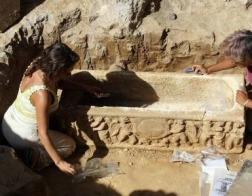 Уникальные древнеримские саркофаги нашли у футбольного стадиона в Риме