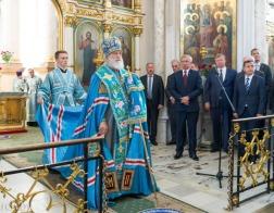 Митрополит Павел совершил в Свято-Духовом кафедральном соборе города Минска молебен перед началом нового учебного года