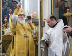 В Неделю 14-ю по Пятидесятнице Патриарший Экзарх совершил Литургию в Свято-Духовом кафедральном соборе города Минска
