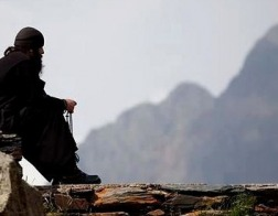 Синод Элладской Православной Церкви ужесточил правила участия афонских монахов в церковной жизни Греции