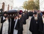 В Киево-Печерской лавре состоялось отпевание митрополита Нежинского и Прилукского Иринея