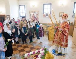 В субботу седмицы 17-й по Пятидесятнице митрополит Павел совершил Литургию в Сергиевском приходе города Минска