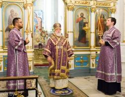 В канун Недели 17-й по Пятидесятнице Патриарший Экзарх совершил всенощное бдение в Свято-Духовом кафедральном соборе города Минска